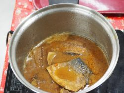 糠炊きの実演。もっともっと煮詰めます!