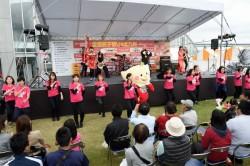 イベント当日の餃子バンドとのダンスコラボ